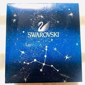 Swarovski Jewelry - ✨ SWAROVSKI Crystal Christmas Tree Brooch 2000
